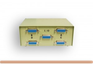 4-Way DB15 Manual Data Switch